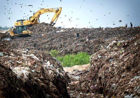 A dump site in Dhaka, Bangladesh. Photo by Kibae Park