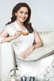 Madhuri-Dixit-in-Tata-Brooke-Bond-Taj-Tea-ad