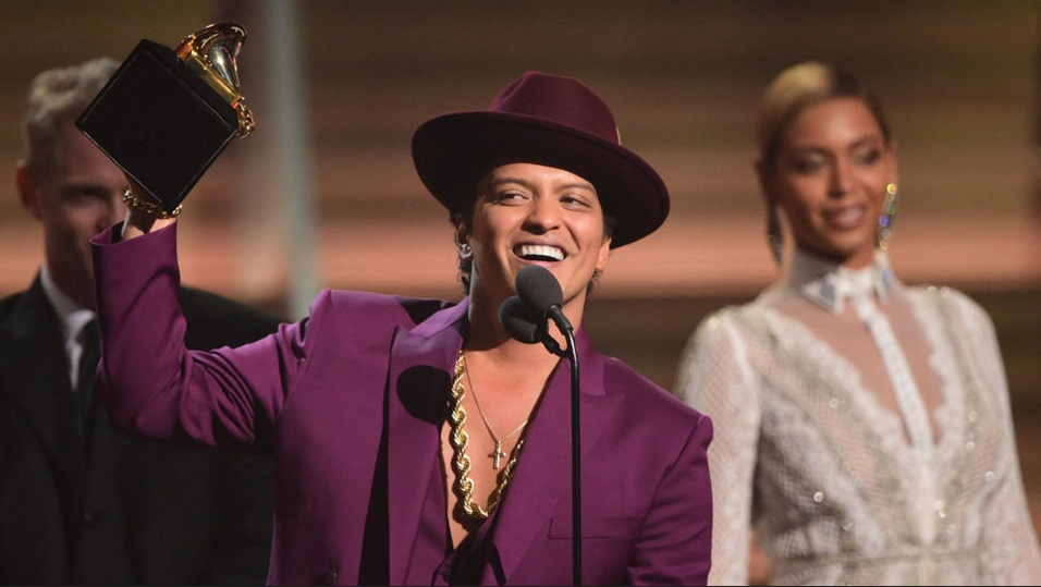 Bruno Mars get song of the year for 'Uptown Funk'