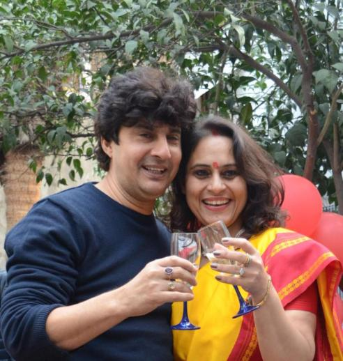 actor-ashish-kaul-with-wife-geetanjali-kaul-ceo-g-caffe